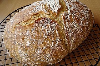 Rustikales Brot im Bräter 18