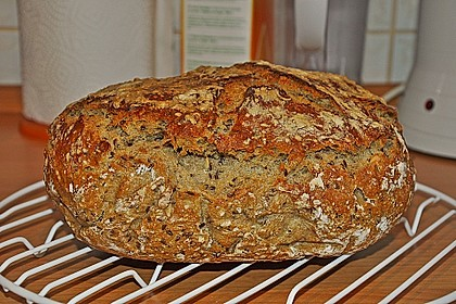 Rustikales Brot im Bräter 40