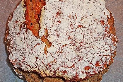 Rustikales Brot im Bräter 75