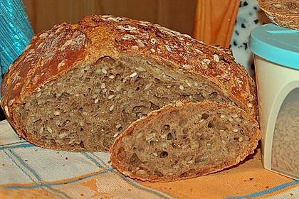 Rustikales Brot im Bräter 49