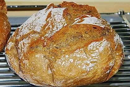 Rustikales Brot im Bräter 3