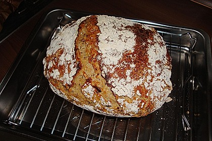 Rustikales Brot im Bräter 98