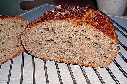 Rustikales Brot im Bräter 34