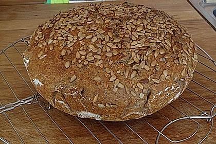 Rustikales Brot im Bräter 107