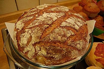 Rustikales Brot im Bräter 6