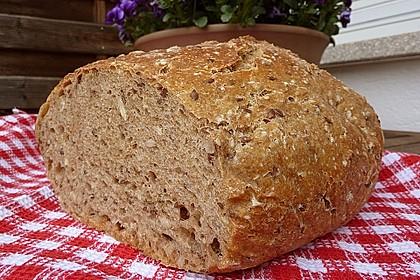 Rustikales Brot im Bräter 26