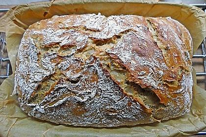 Rustikales Brot im Bräter 8