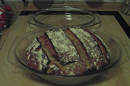 Rustikales Brot im Bräter 96
