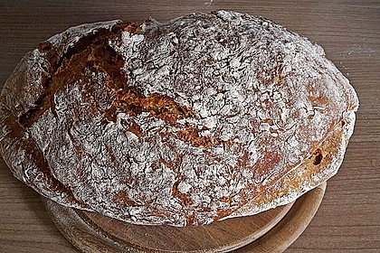 Rustikales Brot im Bräter 95