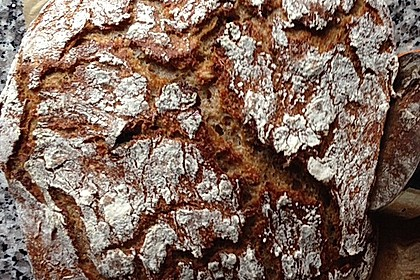 Rustikales Brot im Bräter 85