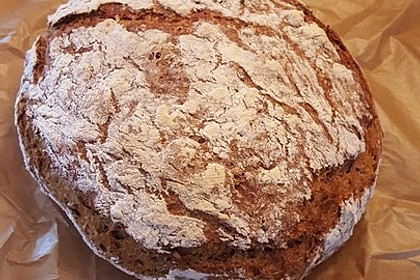 Rustikales Brot im Bräter 93