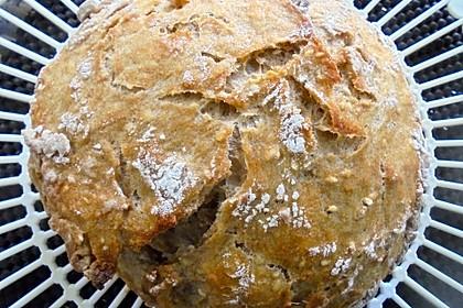Rustikales Brot im Bräter 90