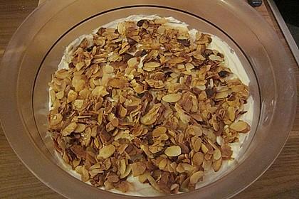 Früchtedessert mit Quark und Mandeln 2