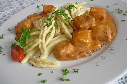 Bens Pasta mit roter Wildlachs - Sahnesauce