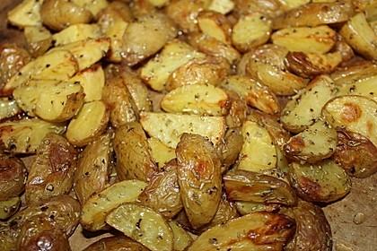 Rosmarinkartoffeln aus dem Ofen 4