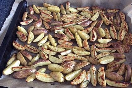 Rosmarinkartoffeln aus dem Ofen 12