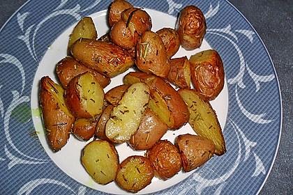 Rosmarinkartoffeln aus dem Ofen 9