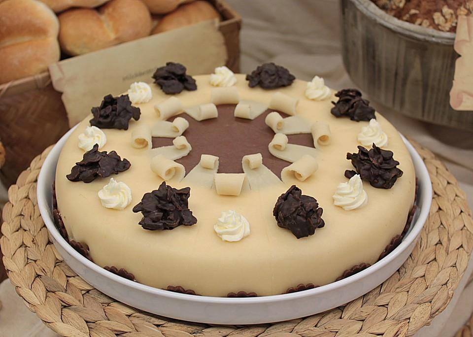 Eikos buttercreme marzipan torte von eik0 - Torten dekorieren mit marzipan ...