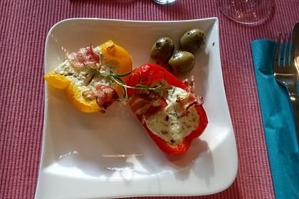 Frischkäse - Paprika - Schiffchen im Speckmantel 40