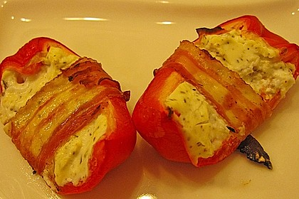 Frischkäse - Paprika - Schiffchen im Speckmantel 52
