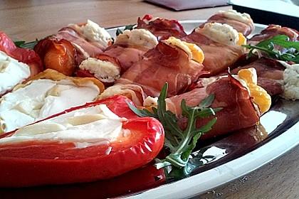 Frischkäse - Paprika - Schiffchen im Speckmantel 12