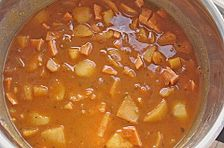 Feuriges Kartoffel - Gulasch