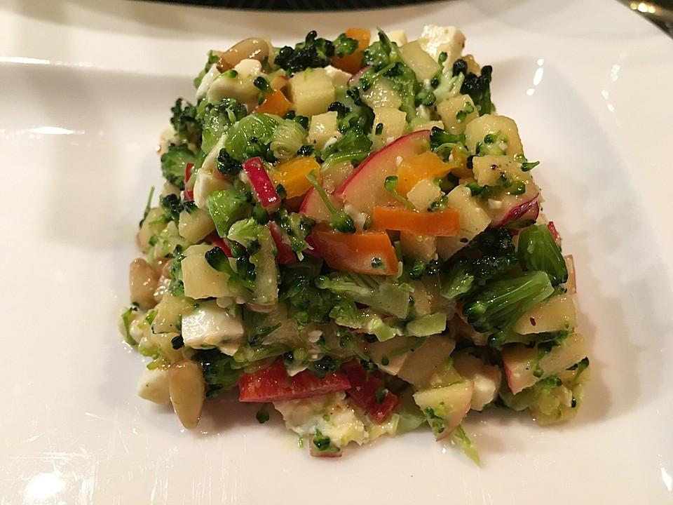 brokkoli paprika apfel salat rezept mit bild von kuchen traum. Black Bedroom Furniture Sets. Home Design Ideas