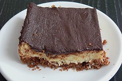 Schokoladen - Haselnuss - Kuchen mit Ziegenfrischkäse