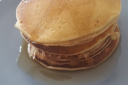 Fluffy Buttermilk Pancakes 18