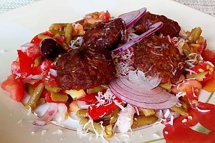 Mini - Frikadellen auf Tomatensauce 4