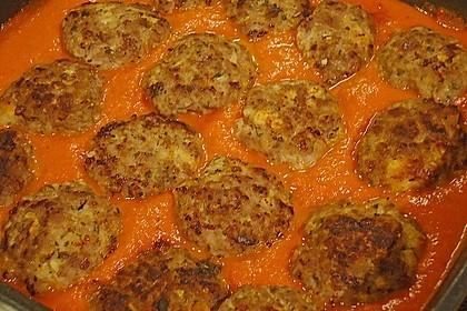 Mini - Frikadellen auf Tomatensauce 9