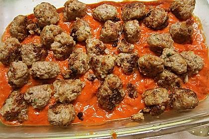 Mini - Frikadellen auf Tomatensauce 6