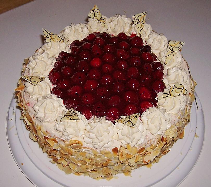 ... Himbeer Waldfrucht Torte Mit Marzipanbuttercreme Von Lila Kuh Gaming  Kuchen So Feiern Verruckte Gamer Giga Die Schonsten ...
