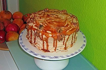 Apfel - Walnuss Torte mit Karamell - Cream Cheese Frosting 2