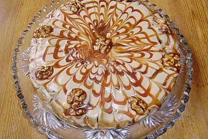 Apfel - Walnuss Torte mit Karamell - Cream Cheese Frosting 1