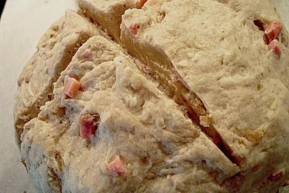 Zwiebel-Käse-Schinken-Brot 74