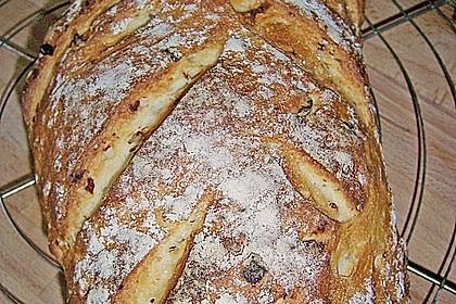 Zwiebel-Käse-Schinken-Brot 18