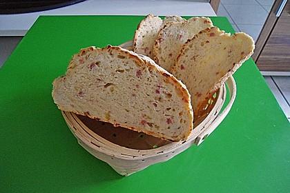 Zwiebel-Käse-Schinken-Brot 72