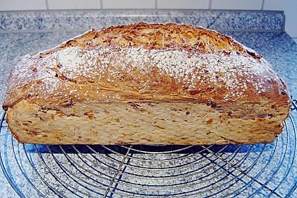 Zwiebel-Käse-Schinken-Brot 24