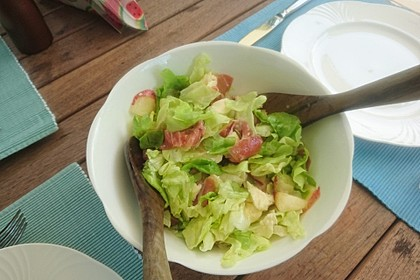 Rucola Salat mit Mozzarella, Pfirsichen, Rohschinken und Honigdressing 10