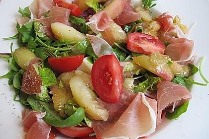 Rucola Salat mit Mozzarella, Pfirsichen, Rohschinken und Honigdressing 5