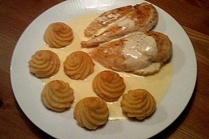 Hähnchenbrust mit Gorganozola - Orangen - Sauce