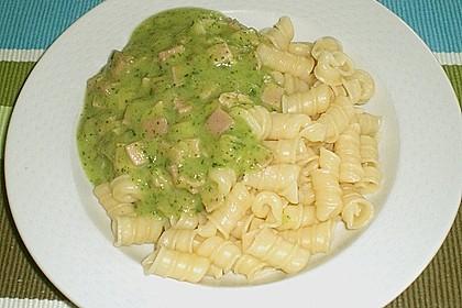 Tagliatelle mit Zucchini - Kräutersoße 2