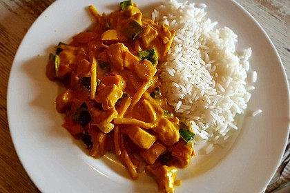 Thai Curry Erdnuss - Kokos - Hühnchen 60