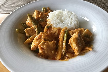 Thai Curry Erdnuss - Kokos - Hühnchen 30