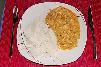 Thai Curry Erdnuss - Kokos - Hühnchen 68