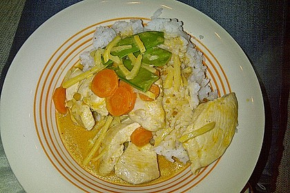 Thai Curry Erdnuss - Kokos - Hühnchen 48