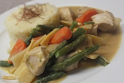 Thai Curry Erdnuss - Kokos - Hühnchen 39