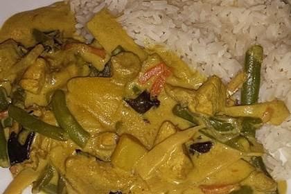 Thai Curry Erdnuss - Kokos - Hühnchen 65