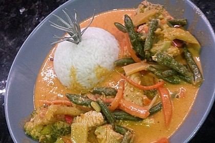 Thai Curry Erdnuss - Kokos - Hühnchen 35